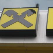 Светещо лого Райфайзен банк