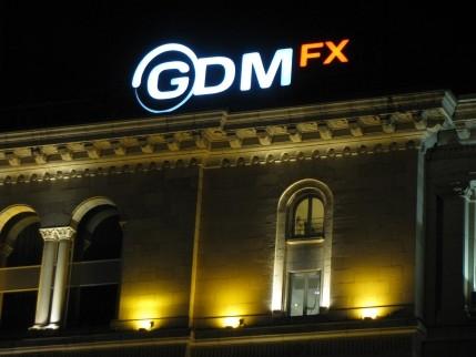 Illuminated facade sign