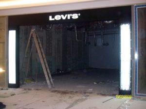 """Брандиране витрина Магазин LEVI""""S"""