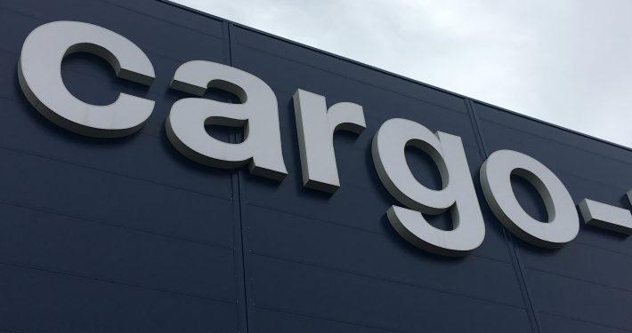 Светещ обемен надпис - Cargo Partner
