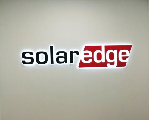 Контражурен надпис Solar EDGE