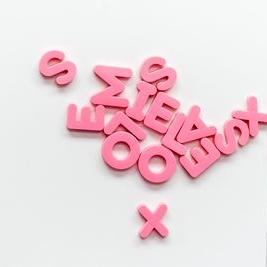 Обемни букви 10 - розови