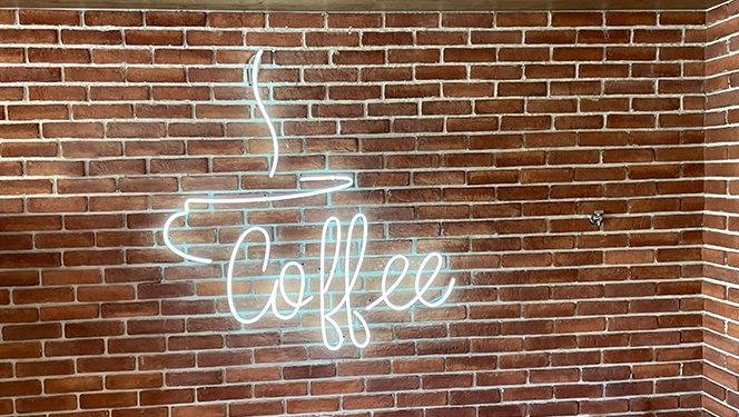 Неонов надпис Coffee